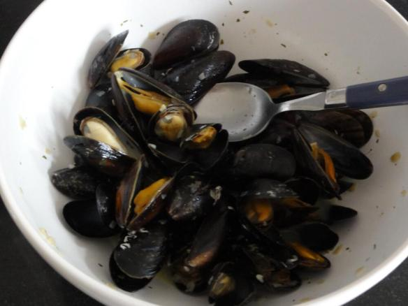Mussels in garlic sauce