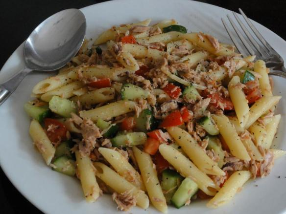 Penne with tuna cucumber and tomato