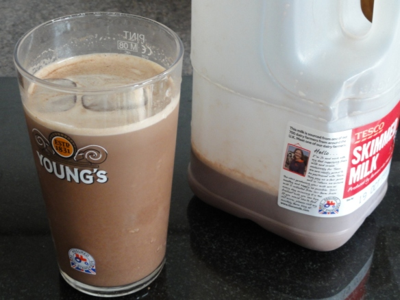 Reduced fat cocoa milk shake