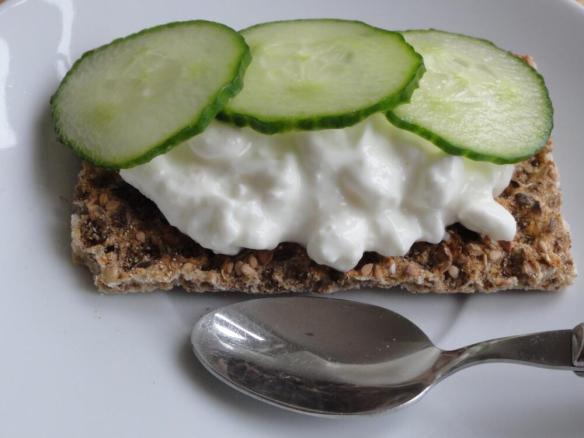 Ryvita with cottage cheese and cucumber