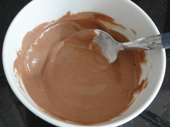 Yogurt with reduced fat cocoa